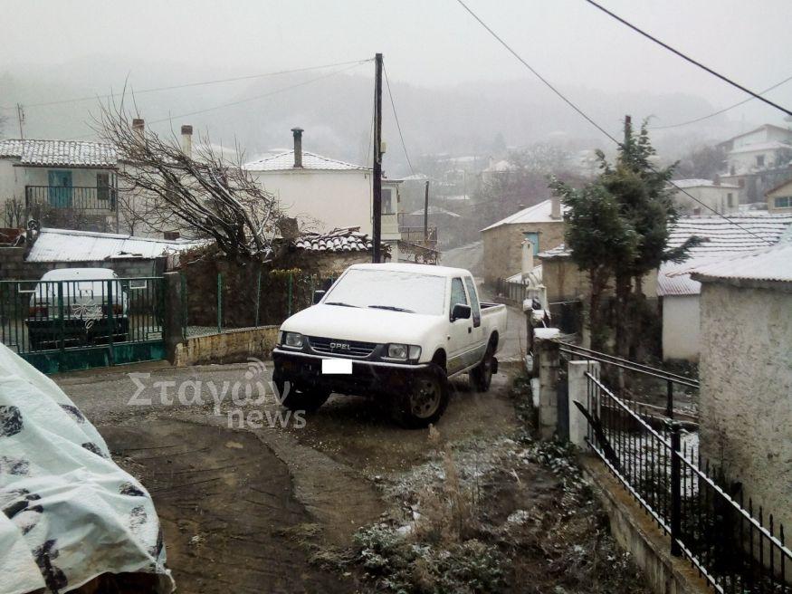 Χιονίζει στα ορεινά του Δήμου Καλαμπάκας