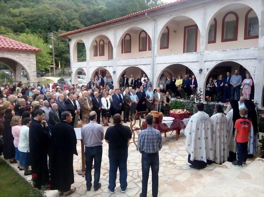 Πλήθος Κόσμου στον Εσπερινό της Ιεράς Μονής Αγίου Νικολάου Σιαμάδων Καστανιάς ..