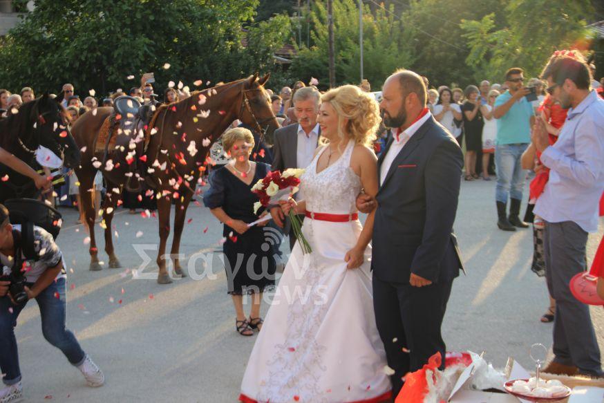Ένας γάμος βγαλμένος από παραμύθι στη Καλαμπάκα