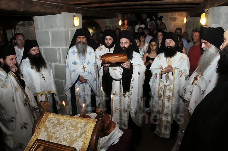 Στην Πανήγυρη της Ιεράς Μονής Αγίας Τριάδος Μετεώρων σήμερα στον Εσπερινό