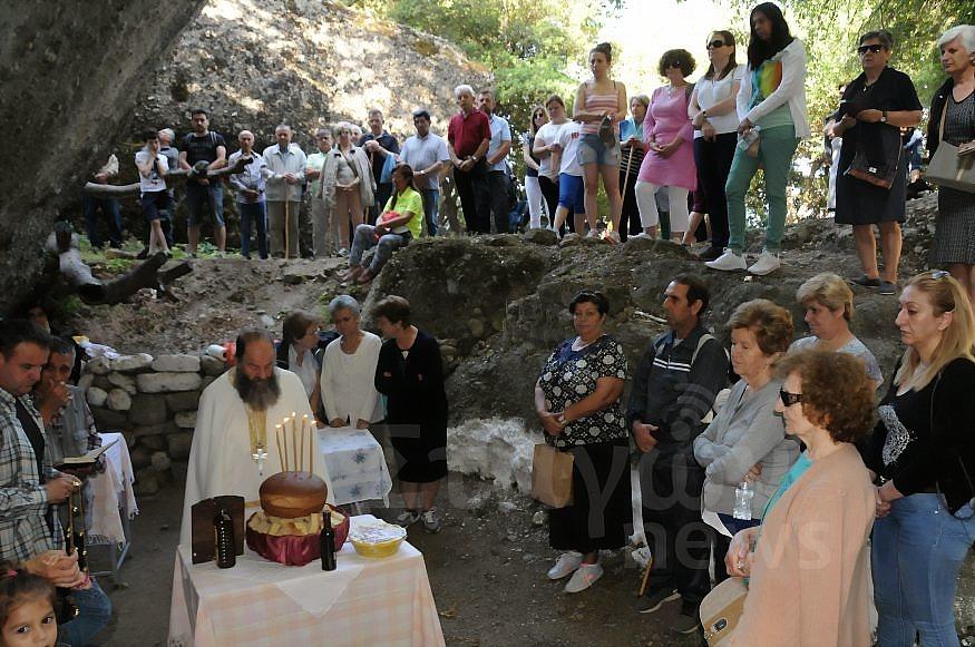 Ανεβαίνοντας και φέτος στο Άγιο Πνεύμα Καστρακίου ( Πλούσιο Φωτορεπορτάζ )