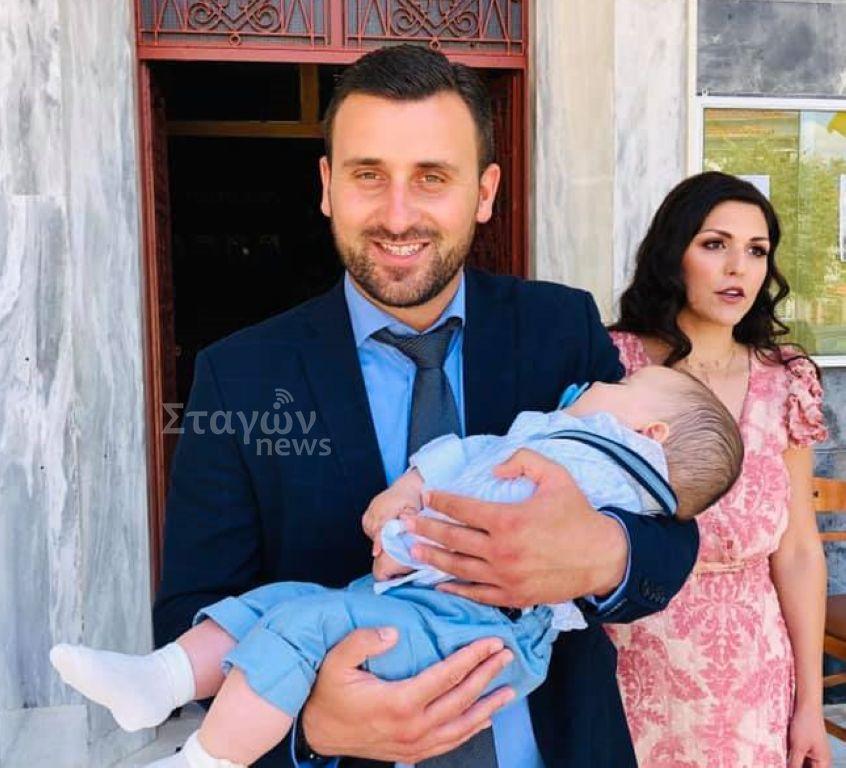 Έγινε νονός ο Αβραμόπουλος !